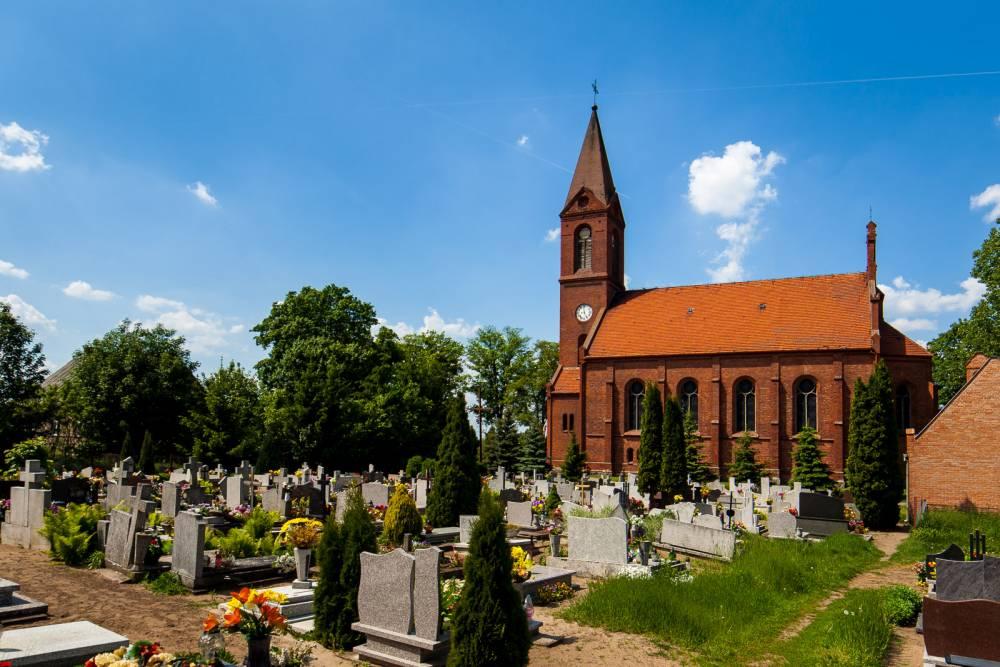 Wielkie Łunawy - kościół parafialny pw. Wniebowzięcia NMP, do 1945 roku ewangelicki