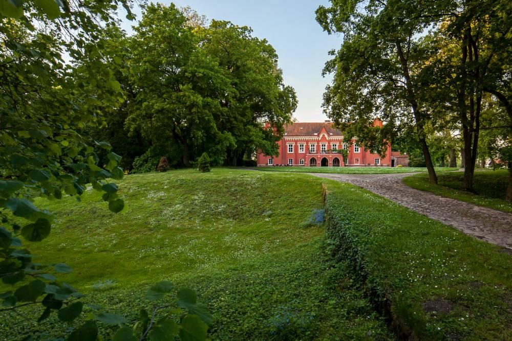 Pałac w Rynkówce - obecnie hotel Grabowy Dwór