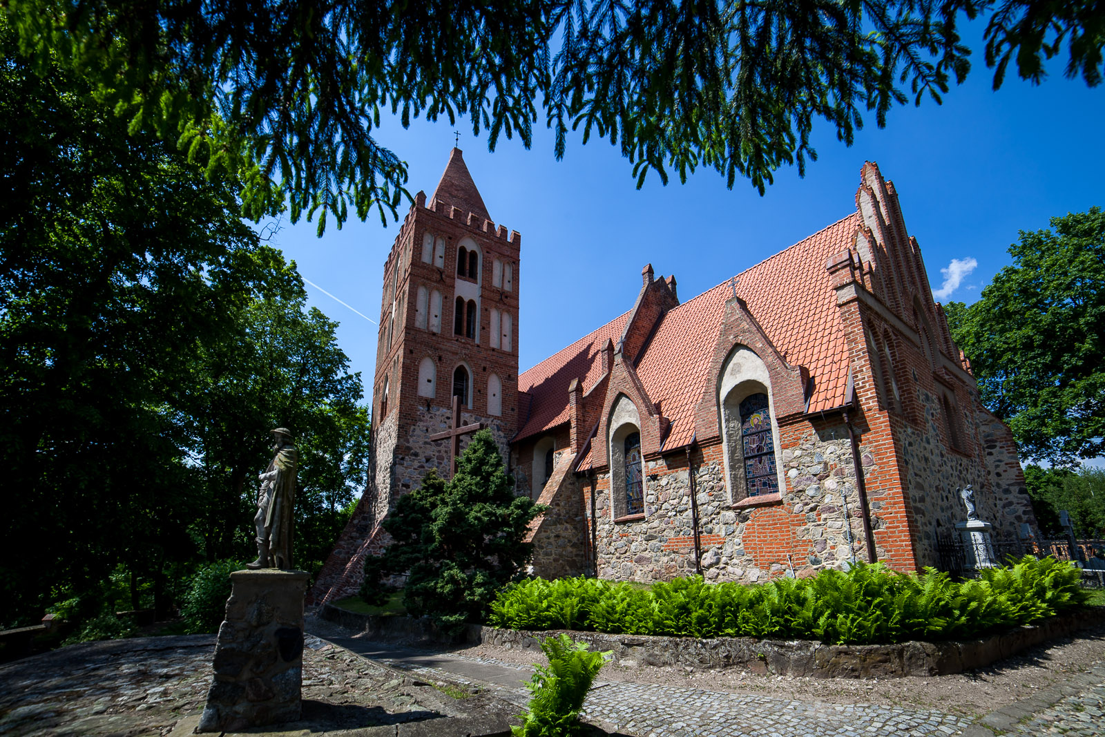 Kościół św. św. Bartłomieja i Anny w Wabczu